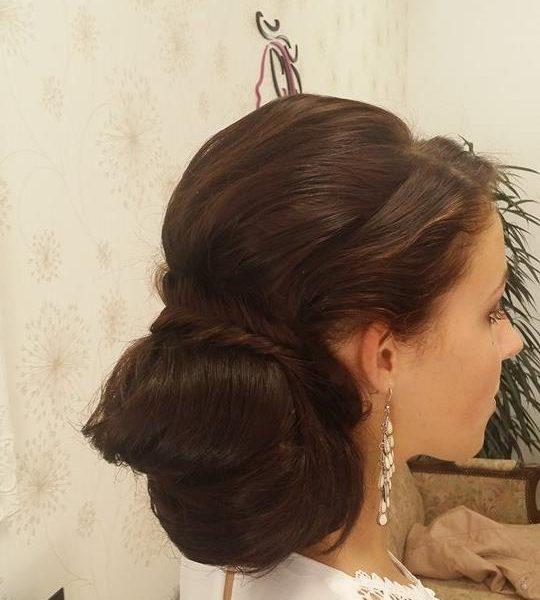 romanticky sepnuté vlasy - ideální účes i na maturitní ples