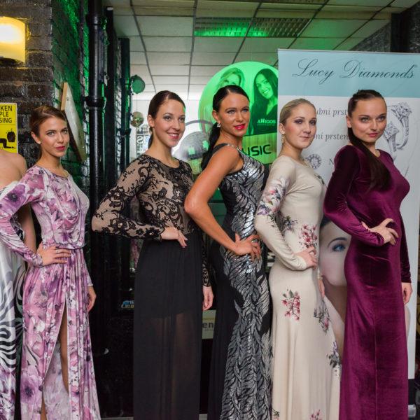 modelky v šatech od Zuzany Lešák Černé